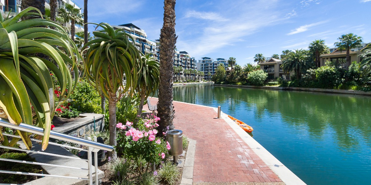 Holiday Rentals in Cape Town / Canal Way