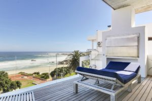 Camps Bay Apartment : Beach Front Camps Bay Apartment 3