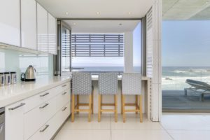 Camps Bay Apartment : Beach Front Camps Bay Apartment 8