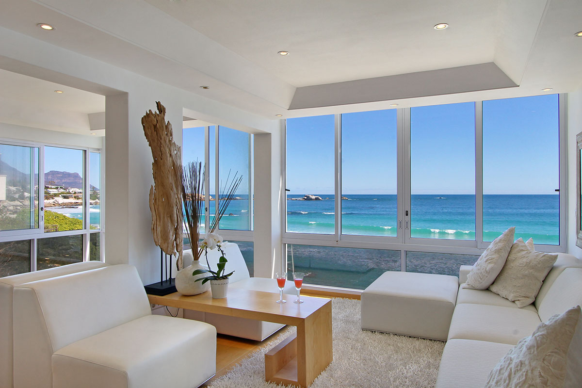 2 Bedroom Apartment On The Beach In Clifton