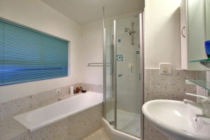 Camps Bay Apartment : 17-luxury-apartment-camps-bay