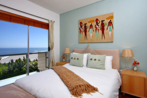 Camps Bay Apartment : 2-luxury-apartment-camps-bay