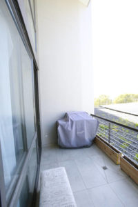 Green Point Apartment : patio
