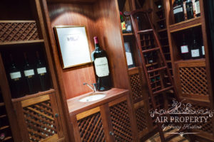Camps Bay Villa : Bali Paradise Wine Cellar