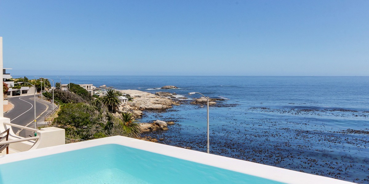 Holiday Rentals in Cape Town / Bali Views