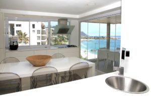 Clifton Apartment : Grande Amore Img 3288