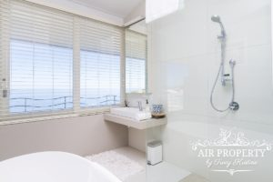 Camps Bay Apartment : 3 Bed Top Camps Bay 47