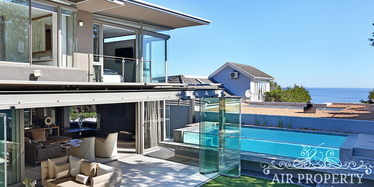 Holiday Rentals in Cape Town / Painted Moon