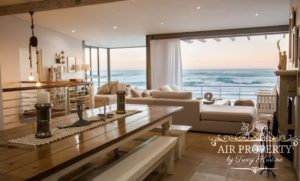 Misty Cliffs Villa : 3 Bed Misty Cliffs Open Plan Dining Room With Lounge