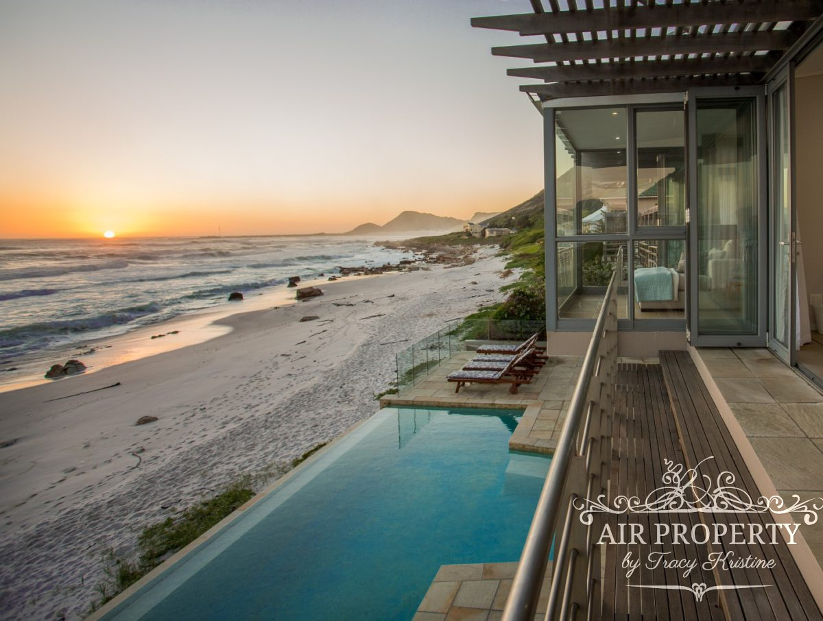 Holiday Rentals in		 						 		 	Misty Cliffs