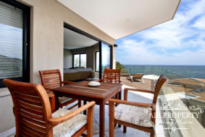 Camps Bay Apartment : 3 Bedroom Luxury Camps Bay Villa 15