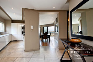 Camps Bay Apartment : 3 Bedroom Luxury Camps Bay Villa 18