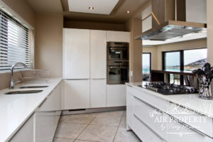 Camps Bay Apartment : 3 Bedroom Luxury Camps Bay Villa 19