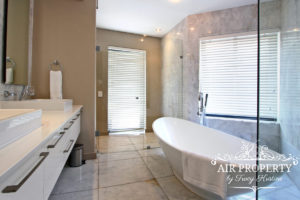 Camps Bay Apartment : 3 Bedroom Luxury Camps Bay Villa 4