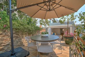 Green Point Apartment : Back Terrace with hot tub 47