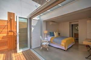 Green Point Apartment : Bedroom Three 44