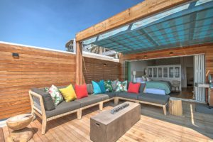 Green Point Apartment : Large Wooden Deck Terrace 30