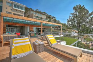 Green Point Apartment : Large Wooden Deck Terrace 33