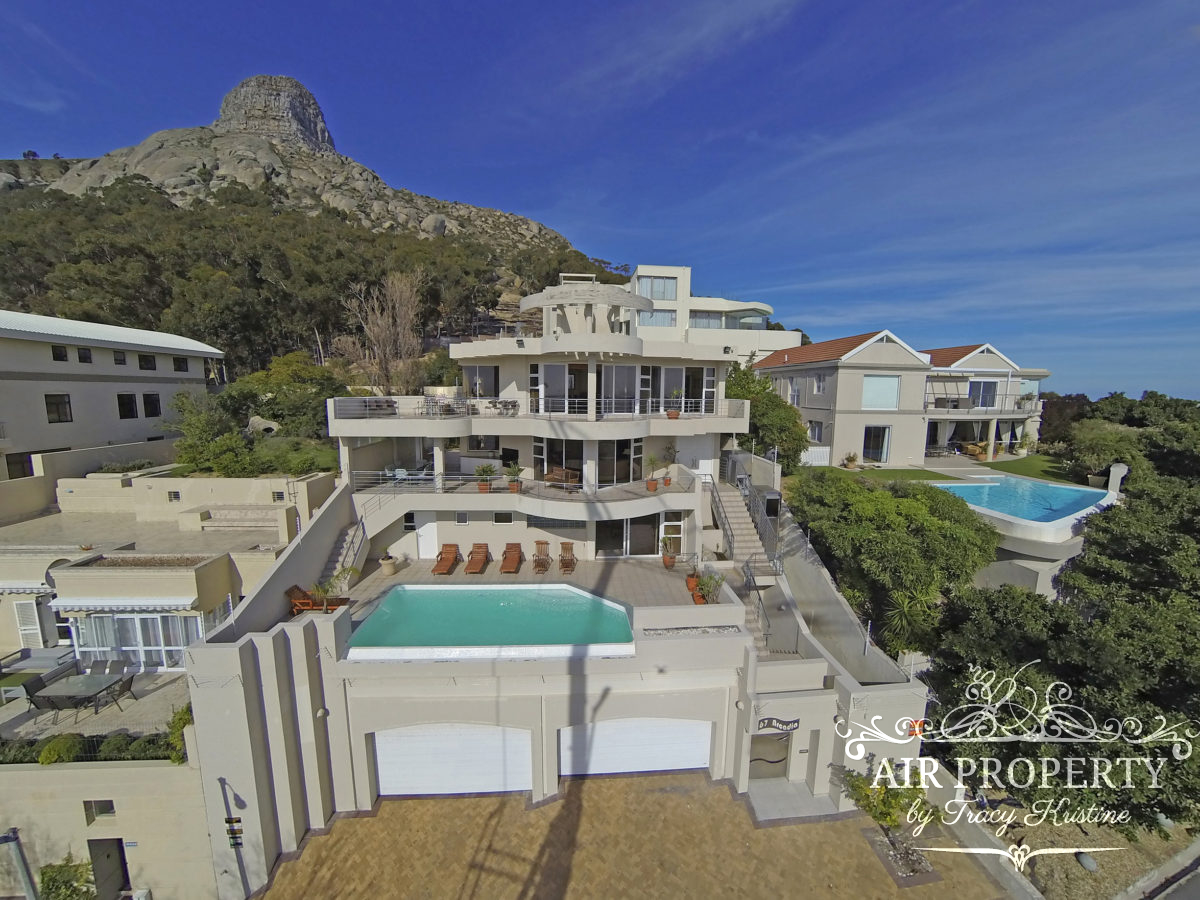 Cape Town Holiday Rentals with		 		 	Pool table