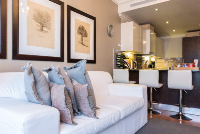 Green Point Apartment : LOUNGE 2