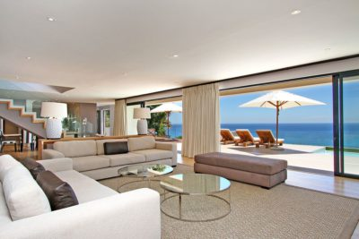 Camps Bay Villa : Lounge to outdoor area
