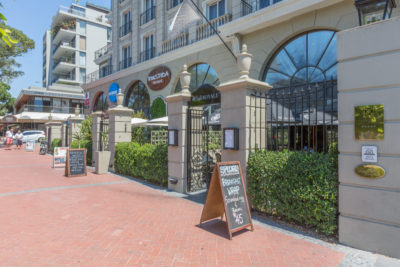 Green Point Apartment : RESTAURANT CAFE ROYALE