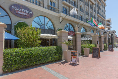 Green Point Apartment : RESTAURANT RUSTICA
