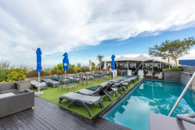 Green Point Apartment : ROOFTOP POOL AND BAR 2