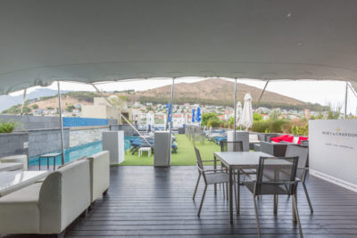 Green Point Apartment : ROOFTOP POOL AND BAR
