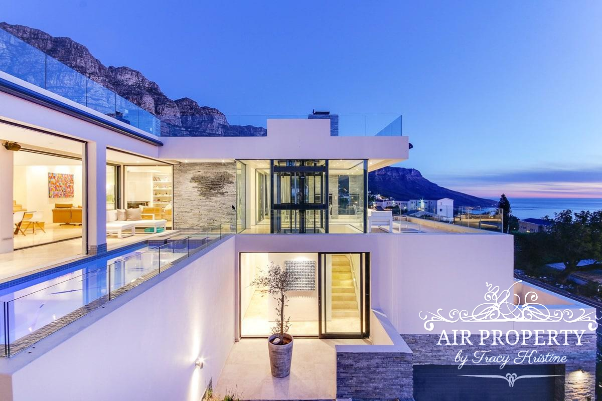 Cape Town Holiday Rentals with		 		 	DSTV