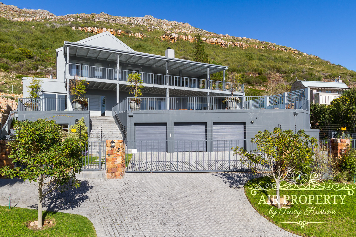 6 Bedroom Villa in Hout Bay