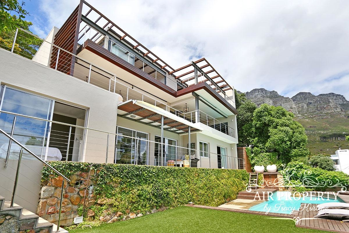 Cape Town Holiday Rentals with		 		 	Jacuzzi