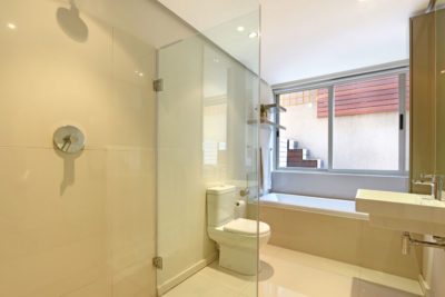 Sea Point Villa : bathroom