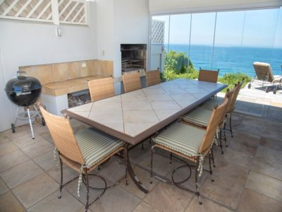 Wilderness Villa : luxury villa outdoor table2
