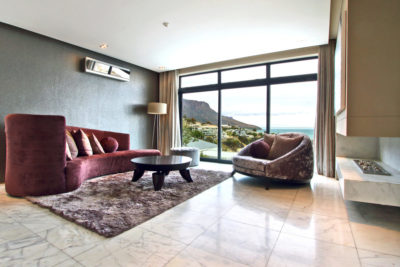 Camps Bay Villa : Lower lounge
