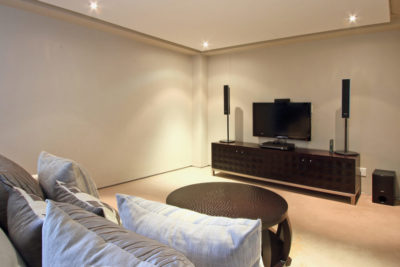 Camps Bay Villa : TV Lounge