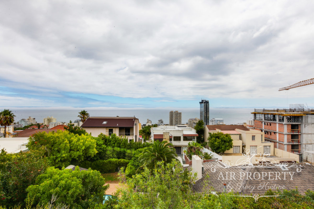 Cape Town Holiday Rentals with  Partial Sea Views