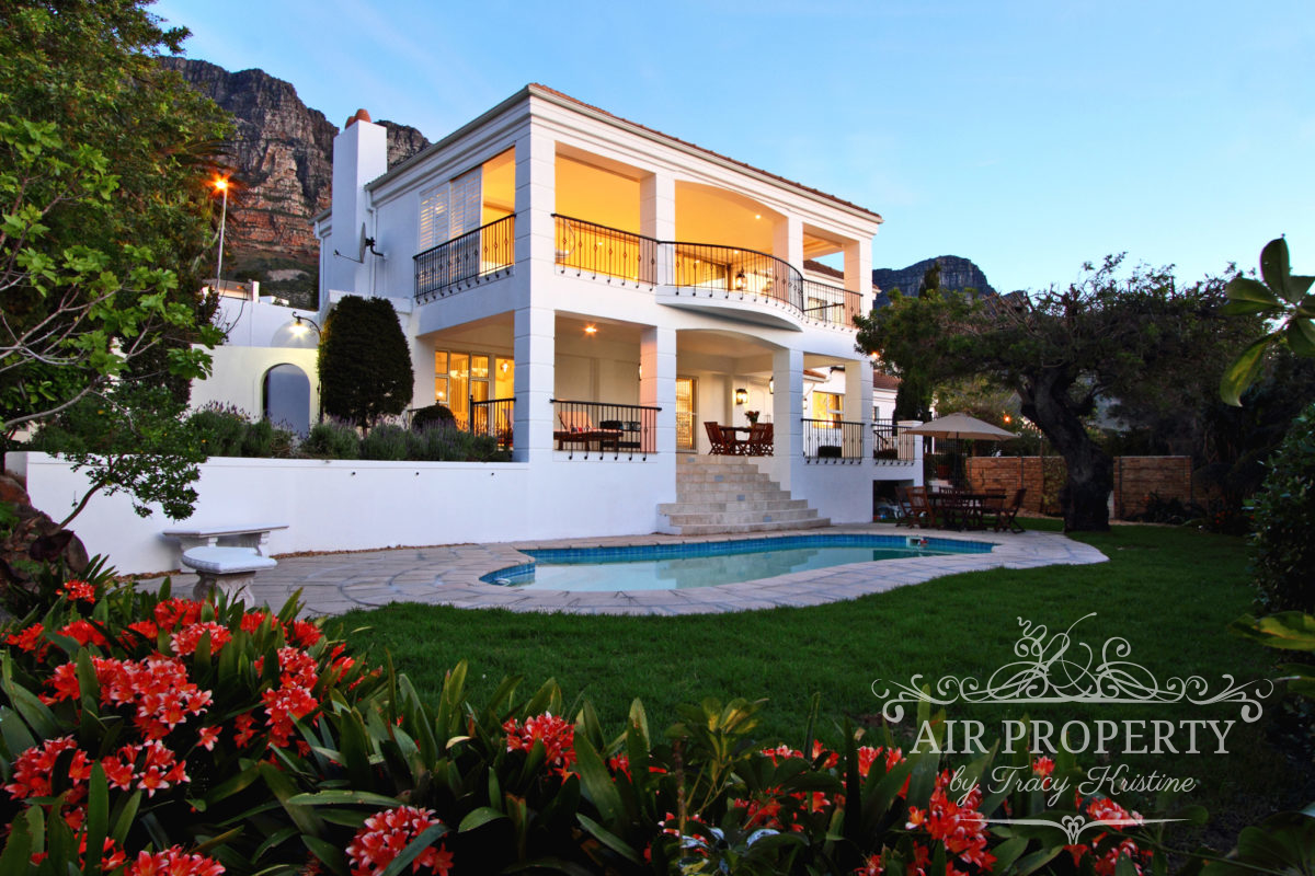 Cape Town Holiday Rentals with  Free Internet