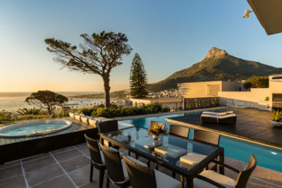 Camps Bay Villa : 6 New Outdoor Pool Colour Dining