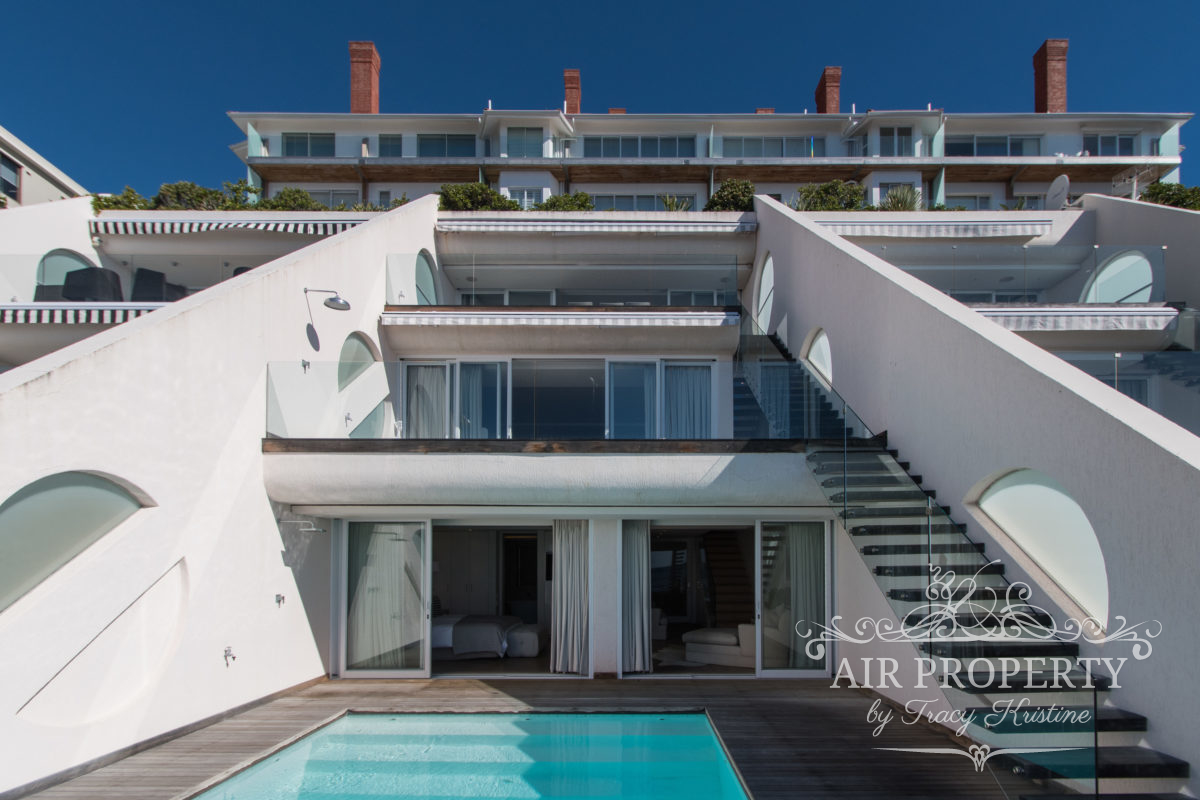 Holiday Rentals in		 						 		 	Bantry Bay