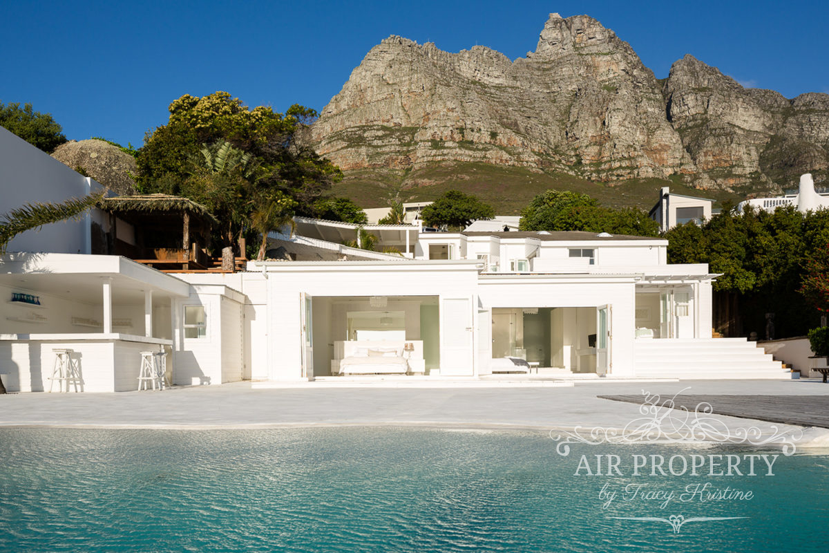 Cape Town Holiday Rentals with		 		 	Serviced