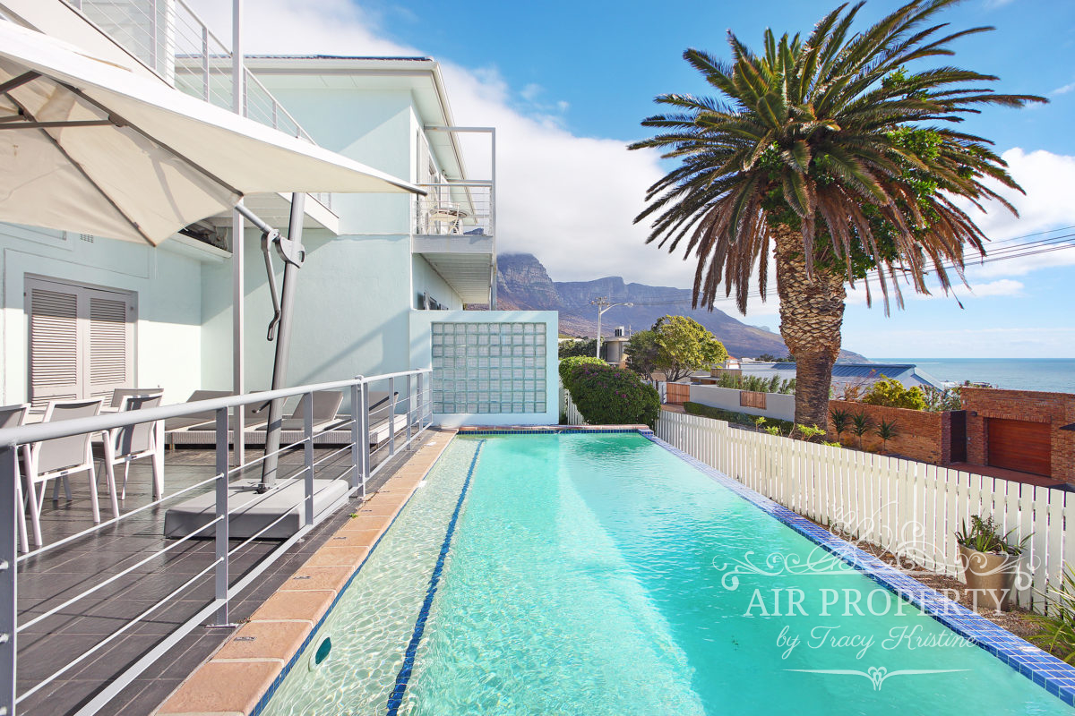 Cape Town Holiday Rentals with		 		 	Cable TV