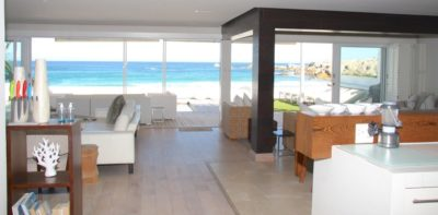 Camps Bay Villa : MAIN HOUSE – VIEW FROM KITCHEN