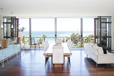 Camps Bay Villa : GBV1 – – KITCHEN LOUNGE AND DININGROOM