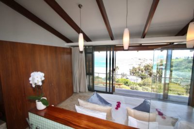 Camps Bay Villa : GBV2 – BEDROOM 1 – VIEW TO GLEN BEACH