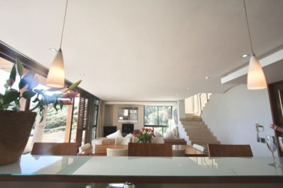 Camps Bay Villa : GBV2 – KITCHEN TO DININGROOM TO LOUNGE