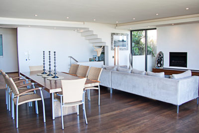 Camps Bay Villa : GBV3 – DININGROOM TO LOUNGE