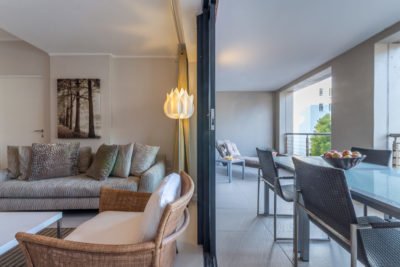 Green Point Apartment : Lounge and Patio
