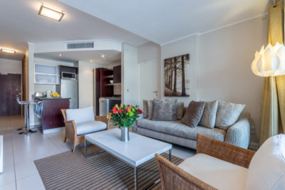 Green Point Apartment : Open Plan Lounge