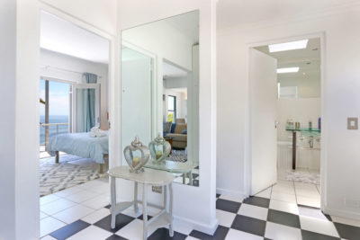 Camps Bay Apartment : 10[1]